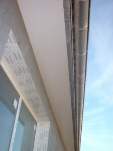 1 Traufkastenansicht mit Dachrinnensystem