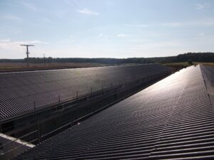 3 Dacheindeckung mit Wellfaserzementplatten und verzinkten Dachrinnensystem